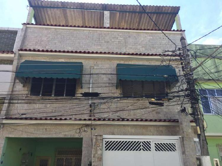 Apartamento com 3 quartos para alugar, 134 m² por r$