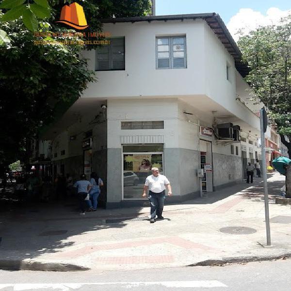Apartamento com 3 quartos para alugar, 199 m² por r$