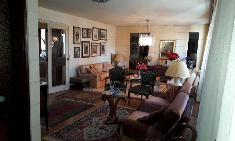 Apartamento com 3 quartos para alugar, 265 m² por r$