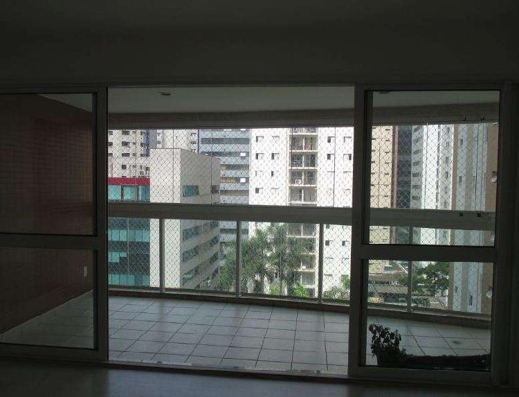 Apartamento com 3 quartos para alugar, 94 m² por r$