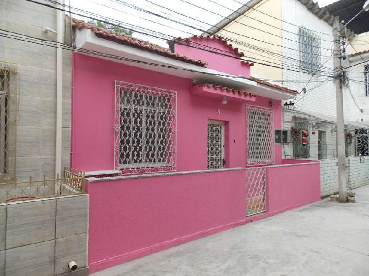 Casa com 2 quartos para alugar, 50 m² por r$ 1.000/mês