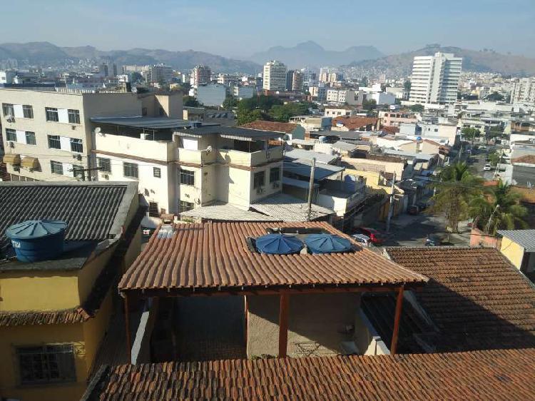 Casa com 2 quartos para alugar, 90 m² por r$ 1.200/mês