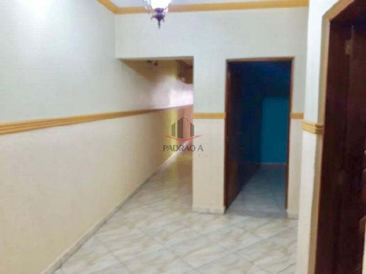 Casa com 3 quartos para alugar, 210 m² por r$ 3.900/mês