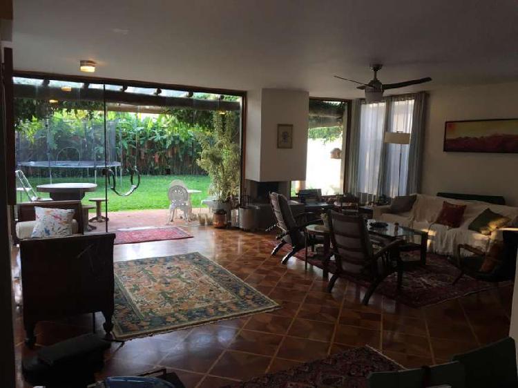 Casa com 4 Quartos à Venda, 340 m² por R$ 2.650.000 COD.