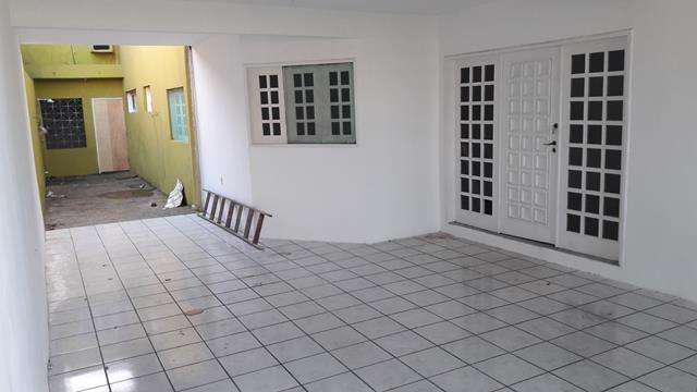 Casa com 5 quartos para alugar, 168 m² por r$ 1.800/mês