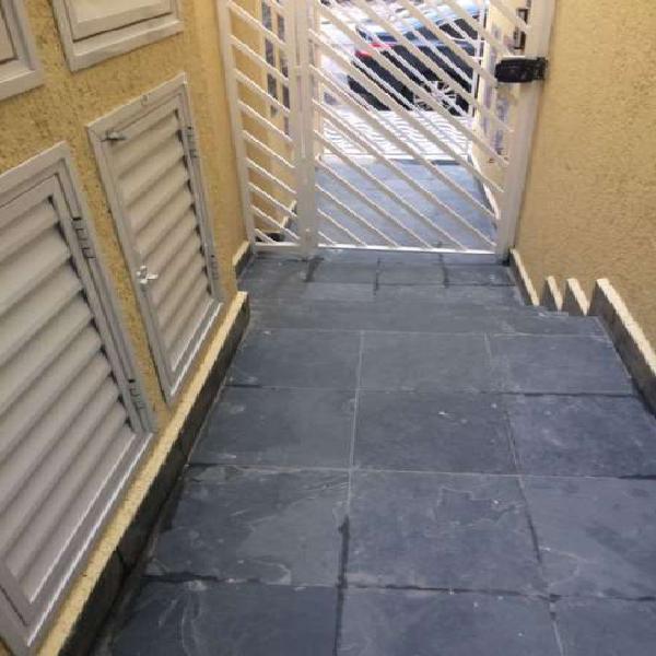 Casa de condomínio com 1 quarto para alugar, 35 m² por r$