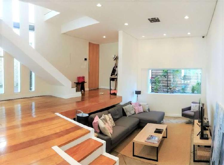 Casa de condomínio com 3 quartos à venda, 173 m² por r$