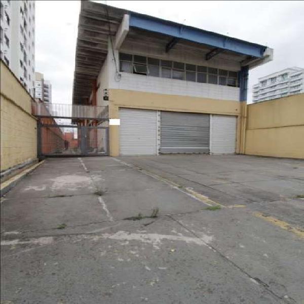 Galpão/depósito/armazém com 6 quartos à venda, 560 m²