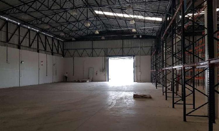 Galpão/depósito/armazém para alugar, 3600 m² por r$