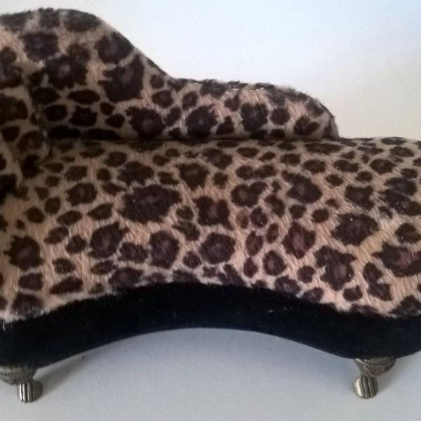 Porta jóia sofá divã oncinha