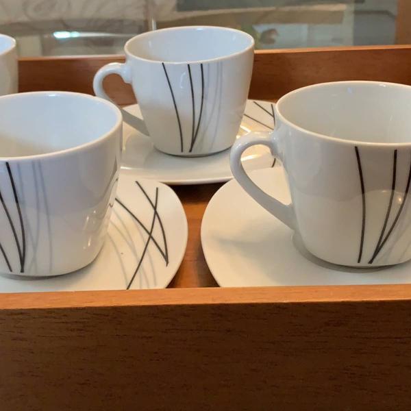 Jogo de chá em porcelana