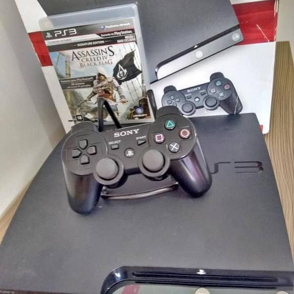 Playstation 3 slim 120gb + 1 controle original + 1 jogo
