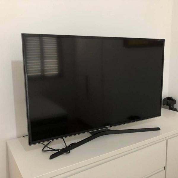 Smart tv samsung led 40 fullhd - pouquíssimo usada