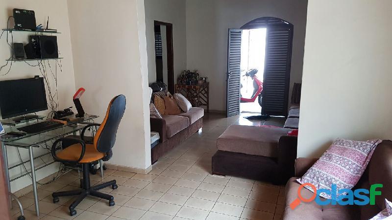 Vendo, troco, permuto, casa setor Coimbra, Goiânia por apto Caldas Novas 3
