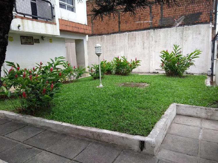 Apartamento com 3 quartos à venda, 114 m² por r$ 295.000