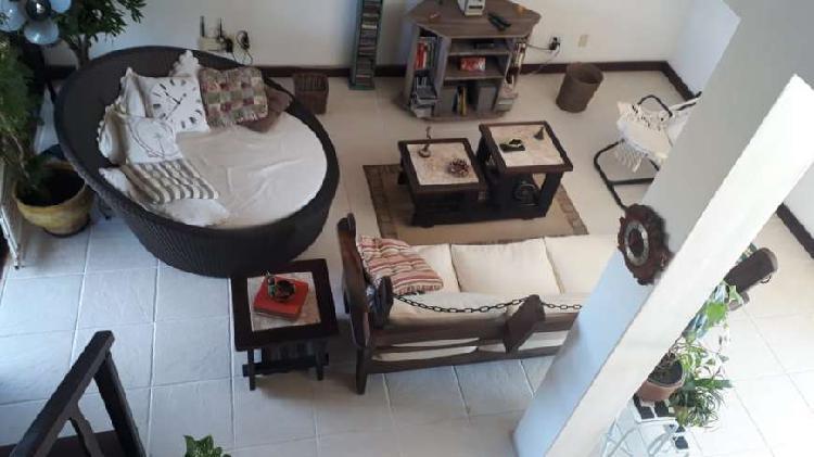 Casa de condomínio com 3 quartos à venda, 160 m² por r$