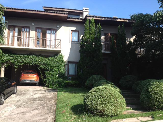 Casa de condomínio com 4 quartos à venda, 400 m² por r$