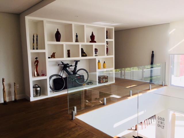 Casa de condomínio com 5 quartos à venda, 650 m² por r$