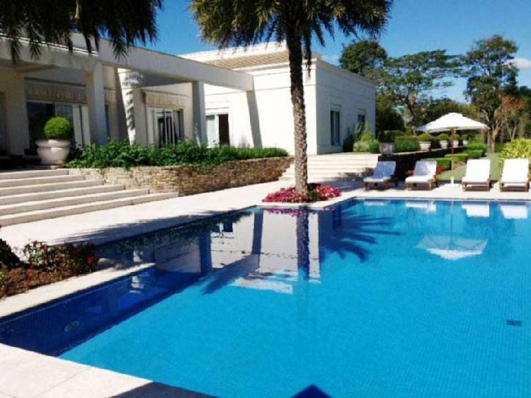 Casa de condomínio com 8 quartos à venda, 1150 m² por r$