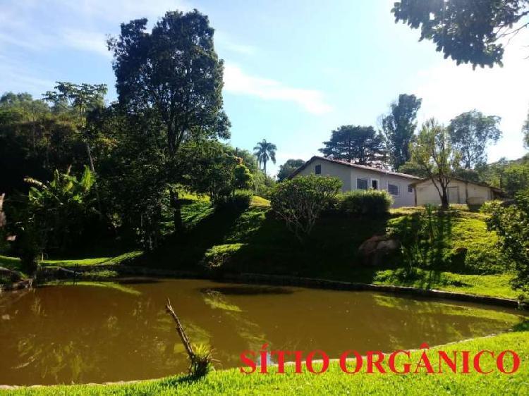 Fazenda/Sítio com 2 Quartos à Venda, 25200 m² por R$