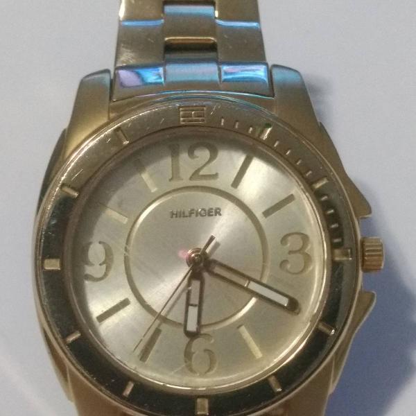 Relógio pulso dourado