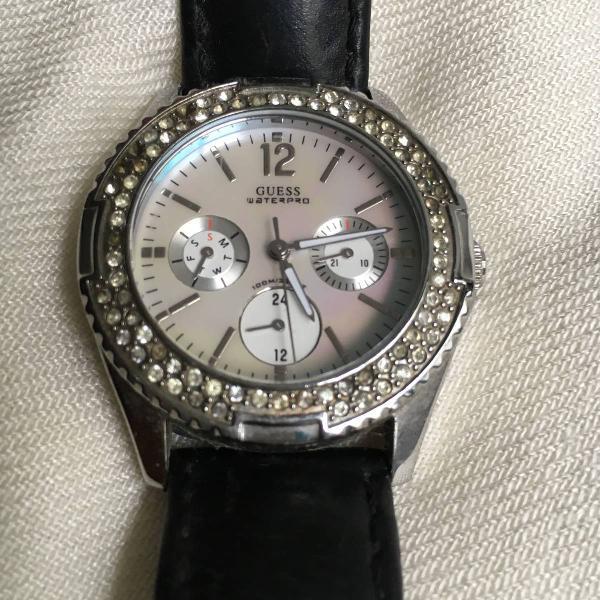 Relógio preto guess