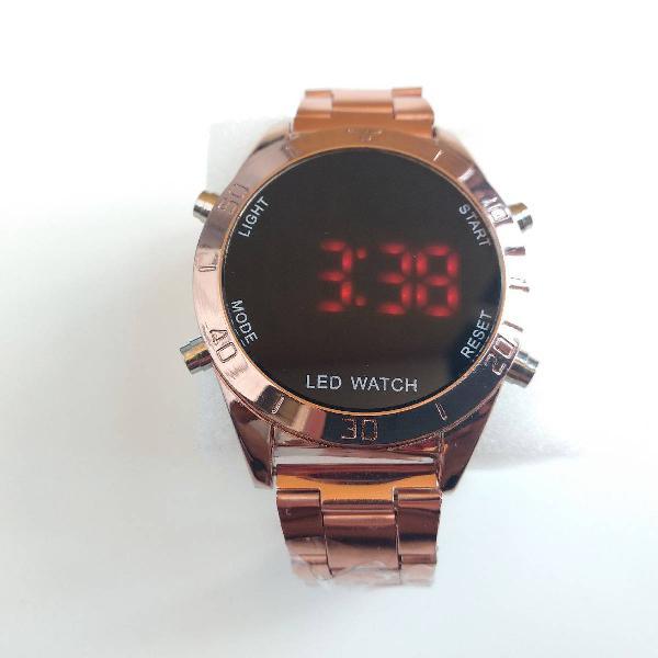 Relógio bronze digital