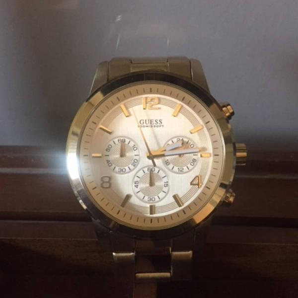 relógio dourado - guess (Feminino)