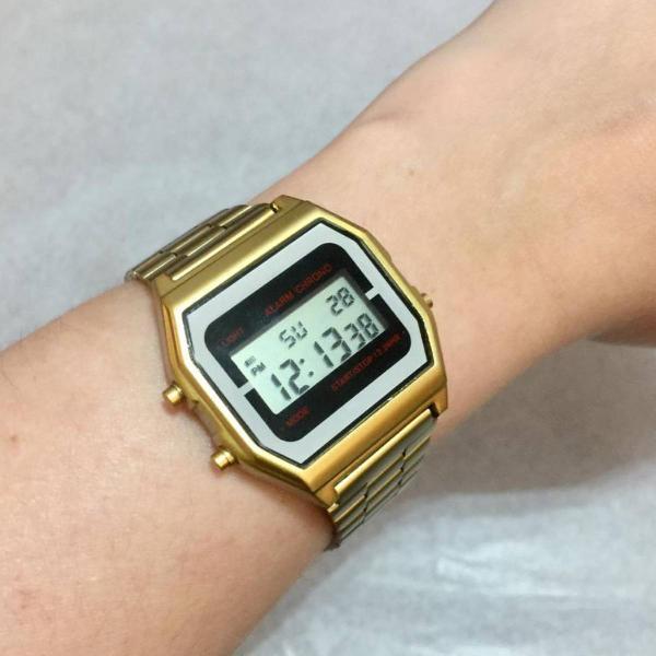 Relógio estilo casio