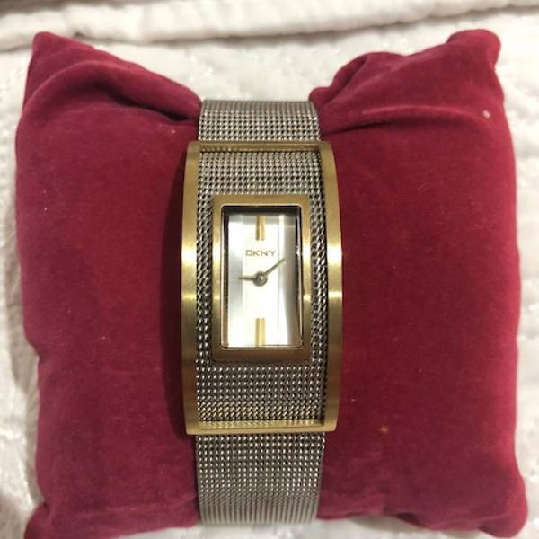 Relógio feminino dkny dourado e prateado
