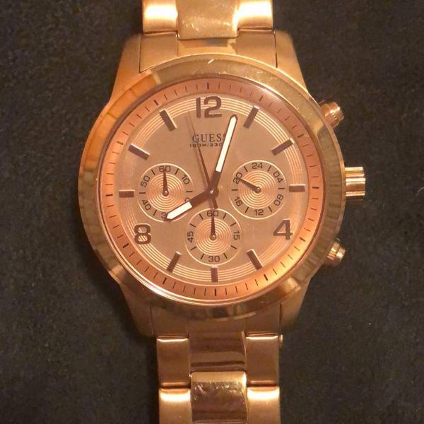 relógio feminino dourado guess