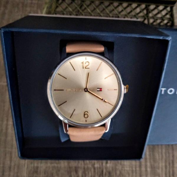 Relógio feminino tommy hilfiger - pulseira de couro - novo