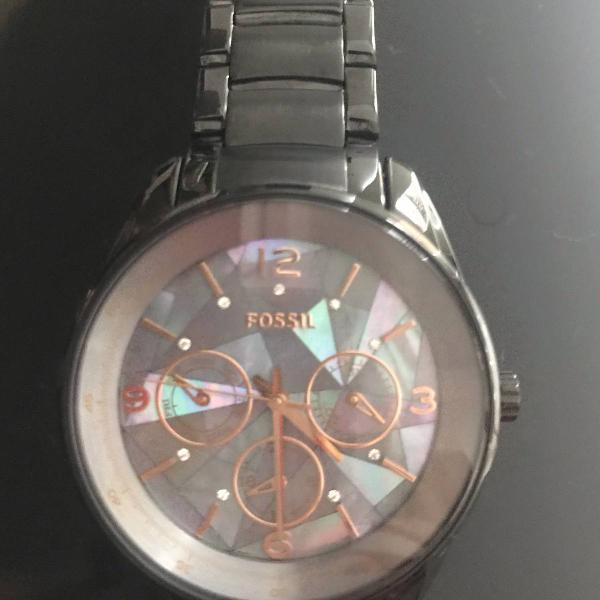 Relógio fóssil, impecável, nunca usado