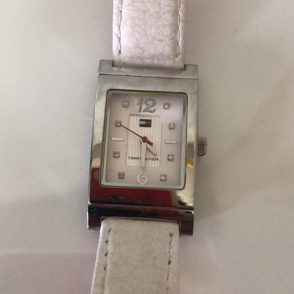 Relógio guess pulseira reversível rosa/branca