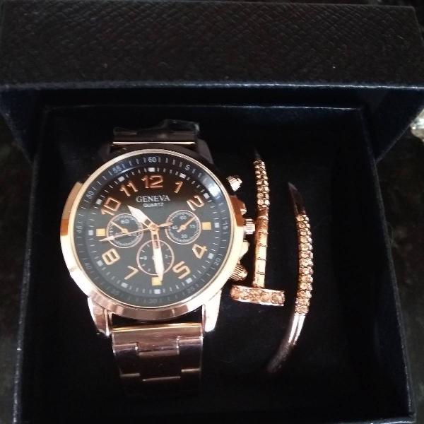 Relógio na cor rose pulseira de metal com pulseira cart's