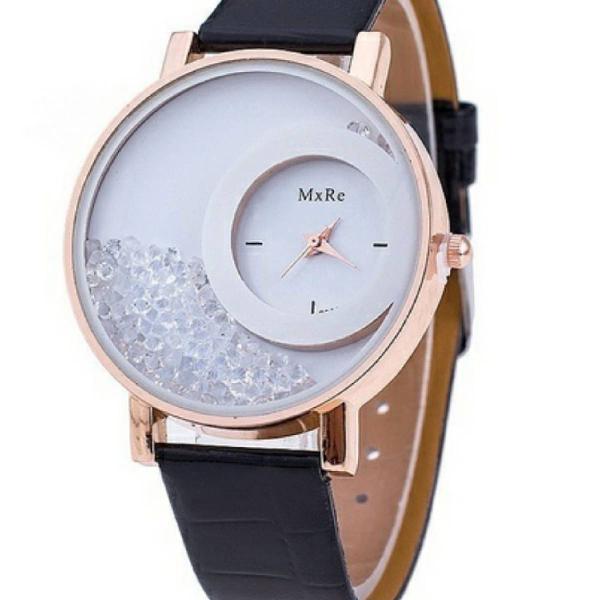 Relógio preto com cristais
