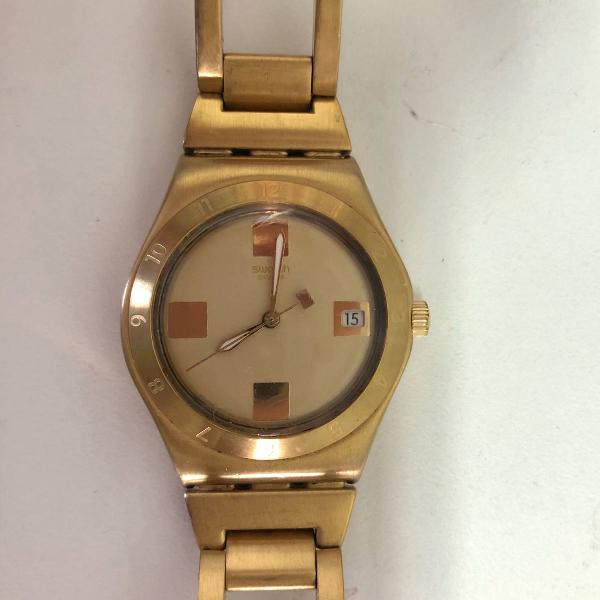 Relógio swatch dourado feminino semi-novo