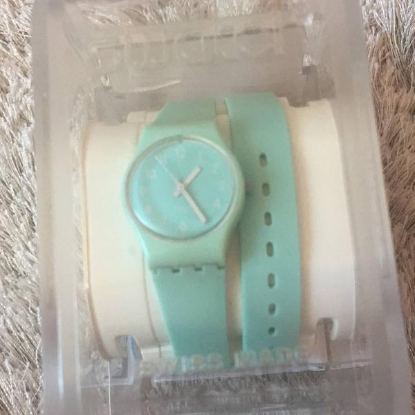 Relógio verde água da swatch swiss
