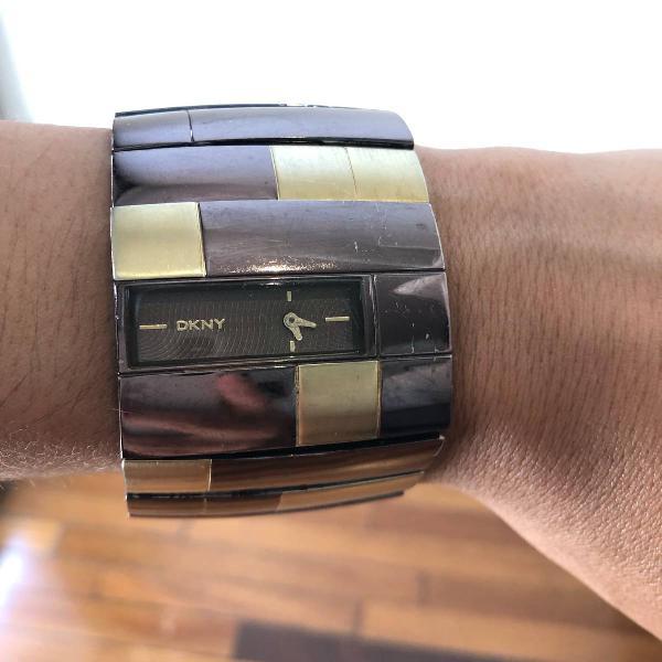 Relogio tipo bracelete dkny