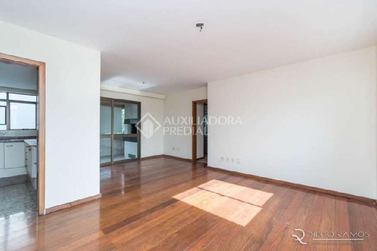 Apartamento com 3 quartos para alugar, 180 m² por r$
