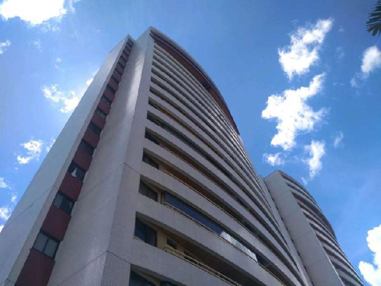 Apartamento com 4 quartos para alugar, 117 m² por r$