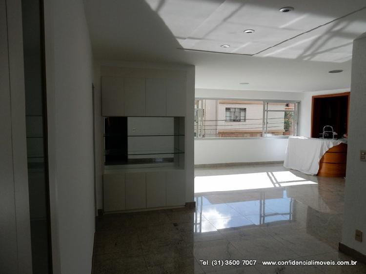 Apartamento com 4 quartos para alugar, 350 m² por r$