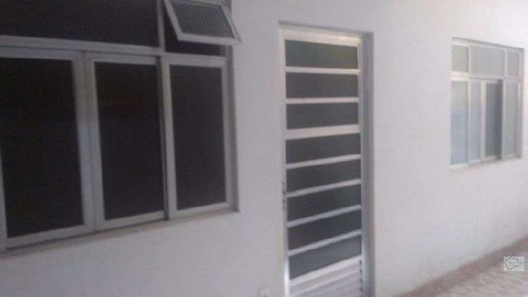Casa com 1 quarto para alugar, 70 m² por r$ 600/mês cod.