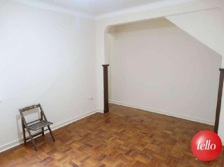Casa com 2 quartos para alugar, 70 m² por r$ 2.700/mês