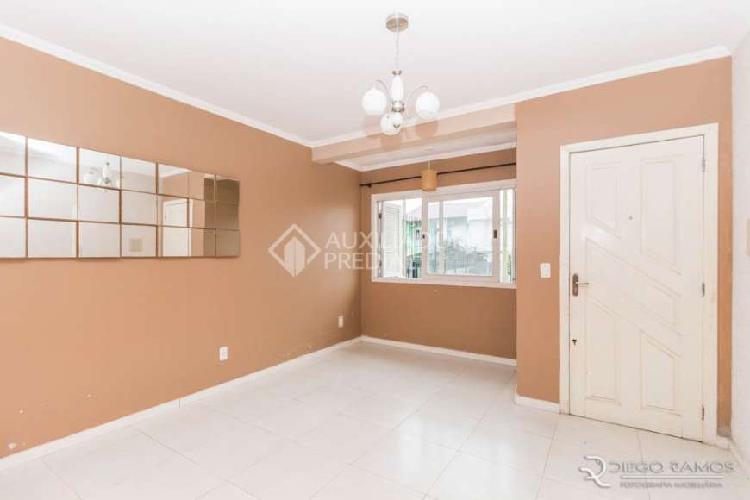 Casa com 3 quartos para alugar, 77 m² por r$ 1.800/mês