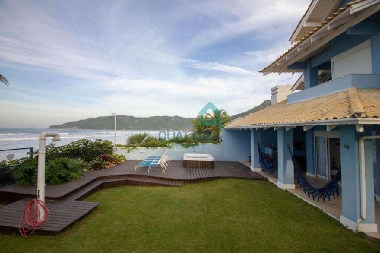 Casa com 5 quartos para alugar, 300 m² por r$ 3.300/dia