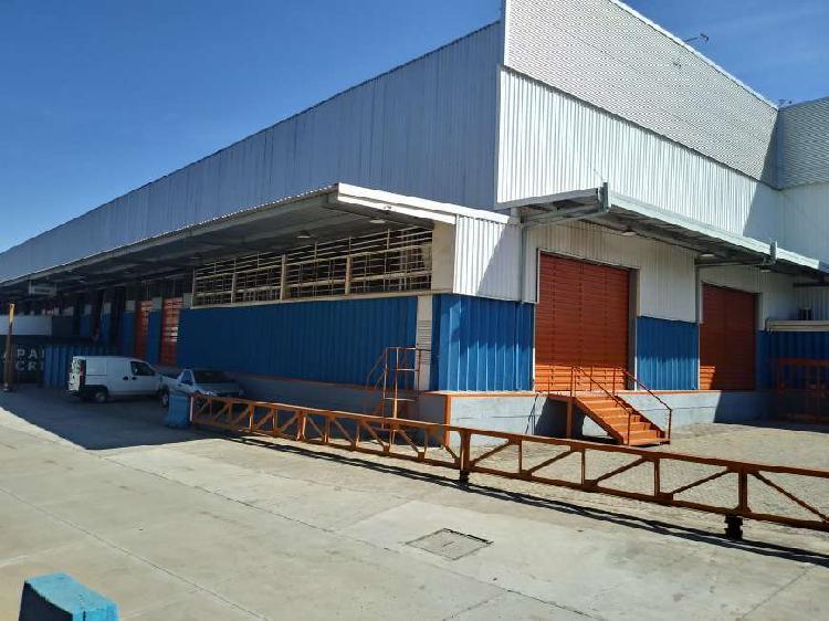 Galpão/depósito/armazém para alugar, 700 m² por r$