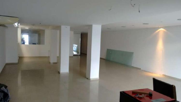 Imóvel comercial com 3 quartos para alugar, 297 m² por r$