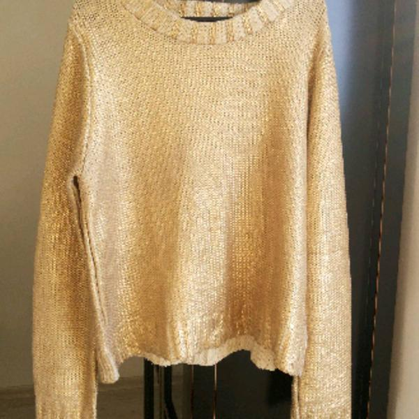 Blusa de fio dourada