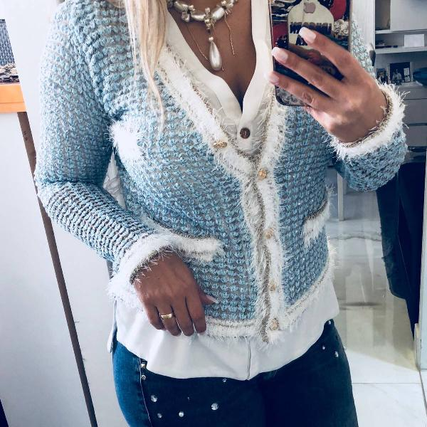 Cardigan tricot modelo chanel azul bebê